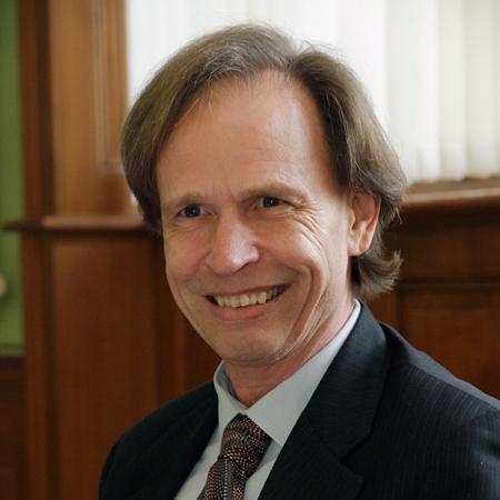 Roger Schmid - 2_schmid-2ymia0yqztdi7wq6ihfhmo